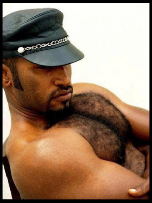 clip free gay hot hung man muscular