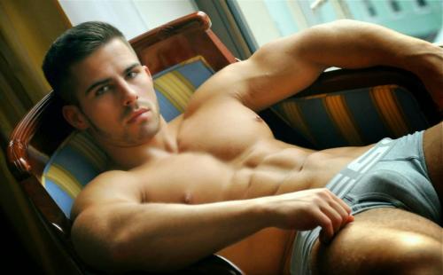 mancandy, hunk, gorgeous, handsome,
