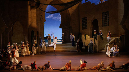 Le Corsaire Photo Credit: Wilfried Hösel. Courtesy of Bayerisches Staatsballett