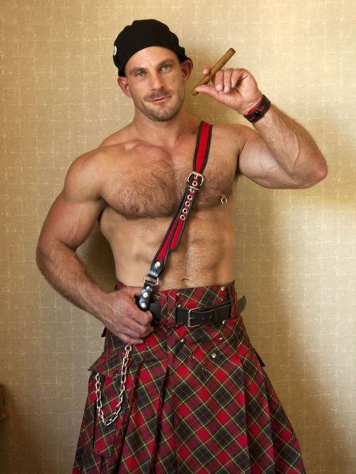 male fashion, men in kilts, shirtless kilt