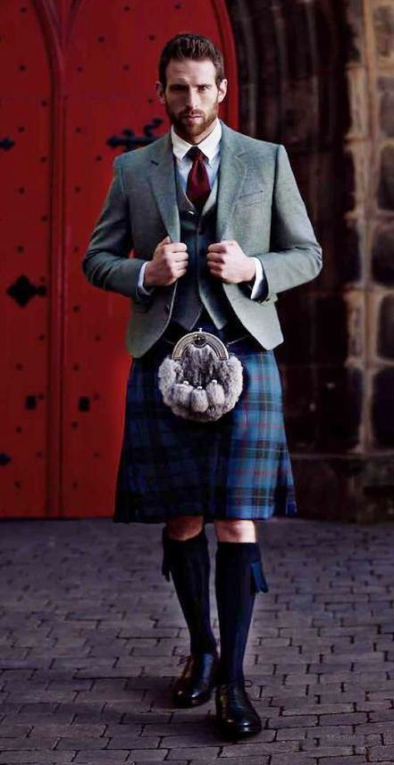 men in kilts, men's fashion, handsome man in kilt