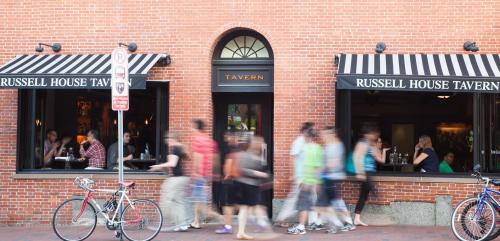 Harvard Square, restaurant review