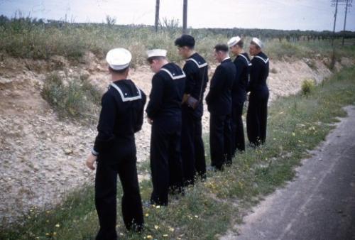 humor, sailors peeing