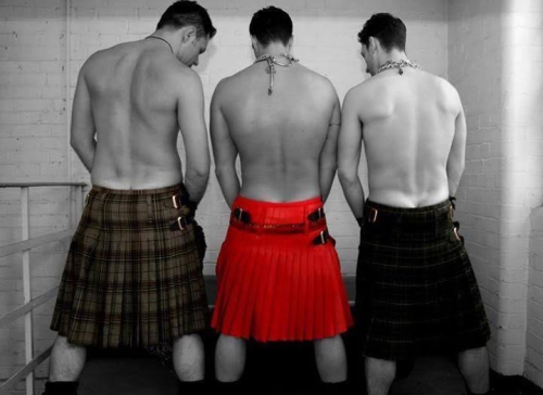 Men in kilts, bathroom