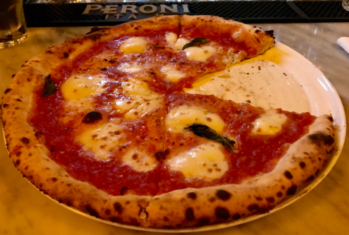 NYC Pizzeria, Tavola Hell's Kitchen