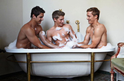 three men in a tub, funny, fun, humor