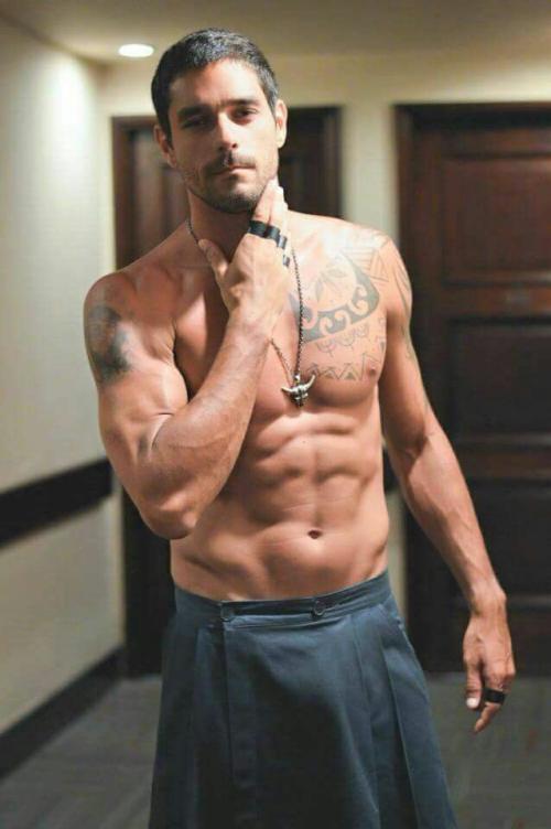 handsome, hunk, shirtless guy, guy wearing a kilt, muscular guy