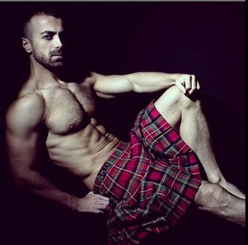 handsome, hunk, shirtless guy in a kilt, sexy guy in a kilt