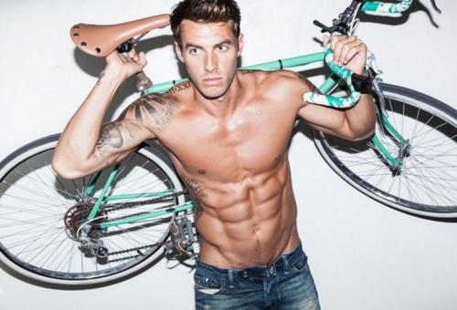bike, Tour de Fat, handsome guy, shirtless guy