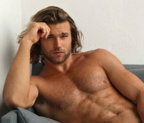 shirtless man candy